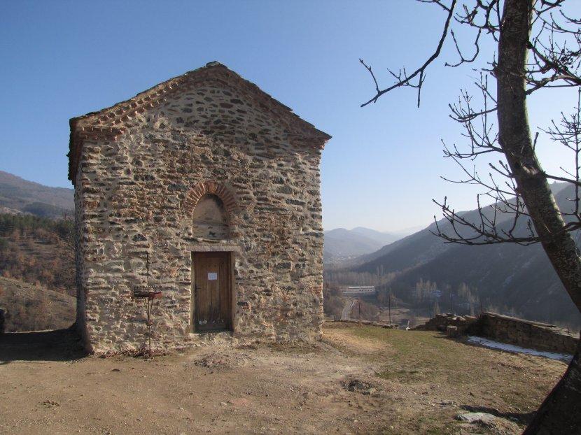 vrazji-kamen-crkva