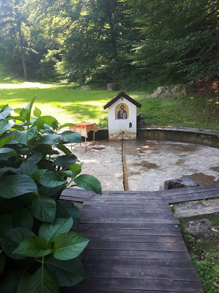 Izvor vode manastira kaona