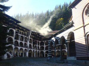 Rilski-konaci-manastira.jpg