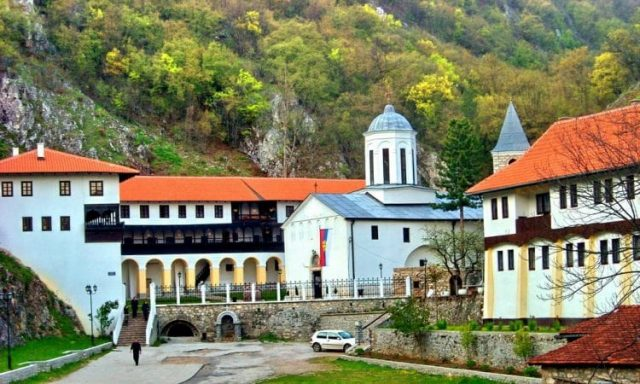 manastir-sveta-trojica.jpg.