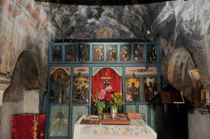 unutrasnjost-manastira.jpg