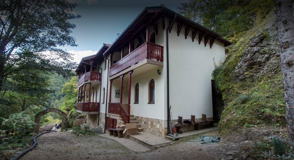 konaci manastira kovilje
