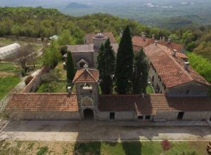 manastir-piperi-640x384