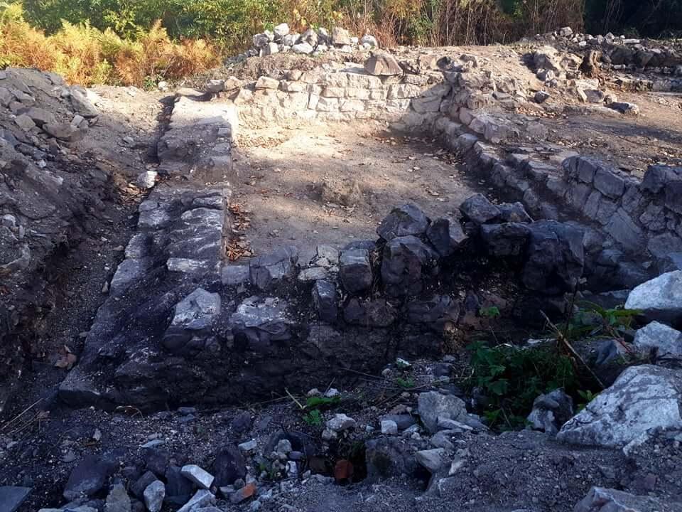 zidine manastira Grad Gradojevic