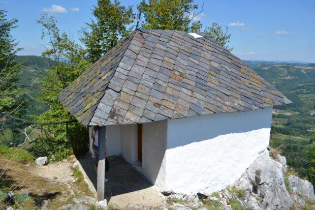 crkva na gradini